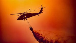 Hjälp har strömmat till Kalifornien från andra amerikanska delstater samt Nya Zeeland och Australien