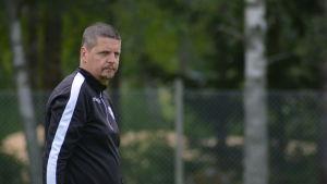 Calle Löf är assisterande tränare i FF Jaro.