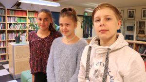 Matilda Laxström, Lina Kiviaho och Frank Berghäll är elever vid Mårtensdals skola.