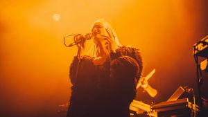 Ruusut-yhtyeen laulaja Ringa Manner.