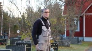 Församlingsmästare Olav Klemets på Åsändans begravningsplats i Lappfjärd