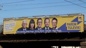 Kandidater för Reformpartiet på en valaffisch i Tallinn den 22 januari 2019