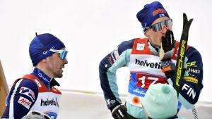 Ristomatti Hakola och Iivo Niskanen ser bekymrade ut