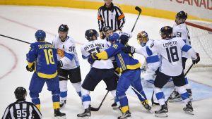 Finland och Sverige möttes i första gruppspelsmatchen vid World Cup 2016.