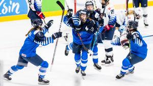 Elisa Holopainen gjorde 1–0 för Finland mot USA.