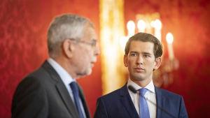 Kurz är hos president Alexander van der Bellen och ber denna inleda processen fö nyval