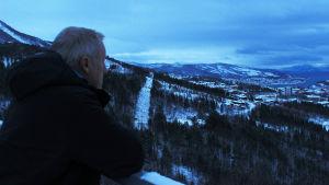 Junaseikkailija Chris Tarrant saapuu dokumenttisarjan uusissa jaksoissa pohjoisen maisemiin.