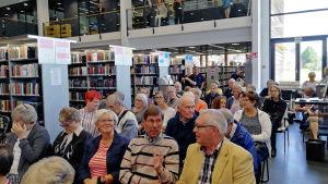publik i Borgå huvudbibliotek.