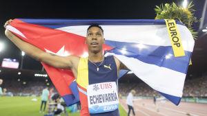 Juan Miguel Echevarría, kubansk längdhoppare