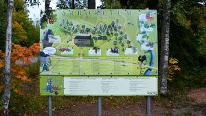 Skylt över Nickby arboretum.