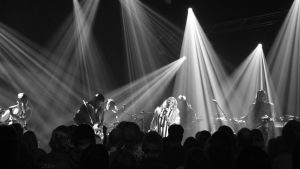 Ellips-yhtye livekeikalla