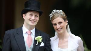 Georg Friedrich av Preussen tillsammans med sin fru Sophie vid parets bröllop i Potsdam 2011.