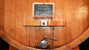 Alla viner som tillverkas på gården innehåller endast egenodlade druvor.