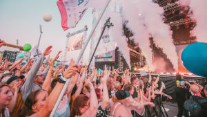 Publiken festivalen Qstock 2019 när 30 Seconds to Mars uppträdde