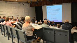 Publik i ett auditoium