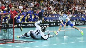 Peter Kotilainen i farten för landslaget.