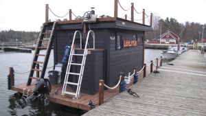 bastuflotte vid brygga