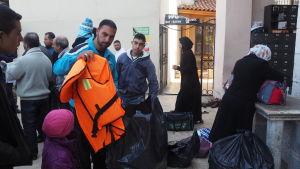 flytväst, flyktingar, izmir, syrier