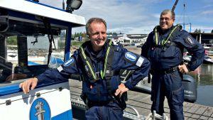 Michael Vaenerborg och Jon Ahlberg jobbar över midsommaren.