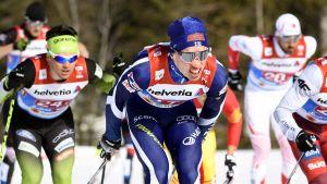Iivo Niskanen åker i kvaltävlingen i lagsprint i Seefeld.