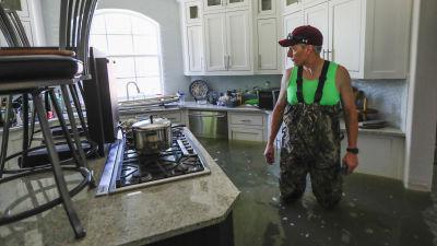 Oversvamningarna vattnet sjunker