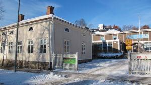 Husen vid Raseborgsvägen 8