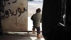 Flyktingbarn i norra Grekland.