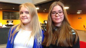 Milla Rissanen och Jennifer Stenholm medverkar båda i ShedHelsinkis musikalproduktion Prinsessa Ruusunen - paluu tulevaisuuteen.