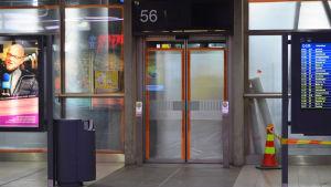 Renovering pågår i Kampens bussterminal och de sista bussplattformarna är inte i användning.