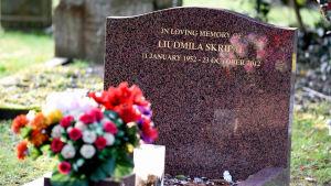 Ljudmila Skripals grav i Salisbury fotograferad på torsdagen den 8 mars.