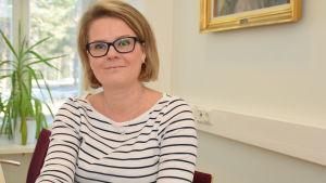 Monica Lemberg är rektor för de svenska skolorna i Lojo.