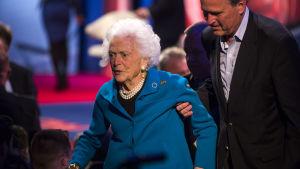 Den 92-åriga Barbara Bush vill vårdas hemma och inte på sjukhus