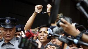 Kyaw Soe Oo och Wa Lone rapporterade om folkmordet på Rohingyer då de greps i Yangon i fjol