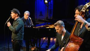 De fyra medlemmarna i Bo Kaspers Orkester.