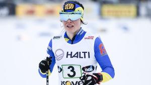Krista Pärmäkoski kommer i mål i FM.