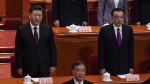 President och partiledaren Xi Jinpings ställning har aldrig varit så stark som nu. Premiärminister Li Keqiang (till höger) skall för sin del hålla ett emotsett tal om budgeten samt ekonomiska målsättningar för de kommande åren