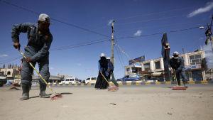 Gator i huvudstaden Sanaa städas för att förhindra spridningen av coronaviruset i Jemen  som inte ännu har bekräftat ett enda fall.