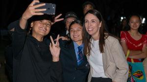 Nya Zeelands premiärminister Jacinda Ardern är numera oerhört populär sina landsmän.