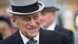 99-åriga prins Philip i hög grå hatt och uppklädd.