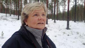 Carina Lintula puolustaa susia.
