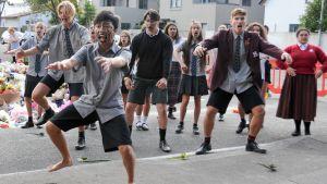 Studerande utför haka i Christchurch