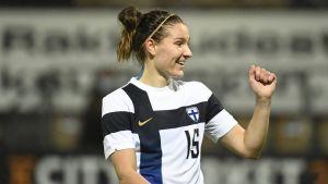 Natalia Kuikka firar i landslaget.
