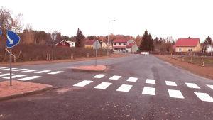 Ålövägens korsning med Skärgårdsvägen i Pargas.