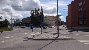Trafikljusen vid korsningen Storalånggatan - Järnvägsgatan i Vasa.