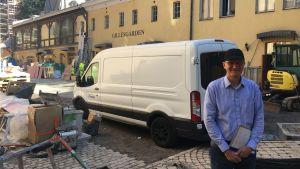 Tony Jäntti utanför Gillesgården i Åbo