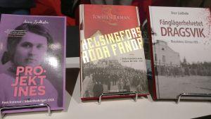 Böcker av  Anna Lindholm, Torsten Ekman och Sture Lindholm.