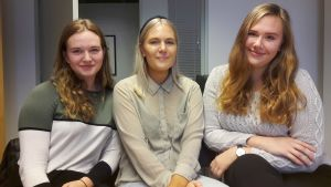 Johanna Hänninen, Ronja Rantanen och Ida Holm studerar socialpolitik och socialt arbete på Åbo Akademi i Vasa.