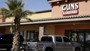 Stephen Paddock köpte fler av av sina vapen från den här affären nära hans hem i Mesquite i delstaten Nevada