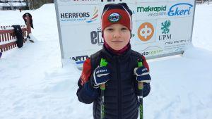 Clara Söderlund tycker både om att träna och att skida ikapp.
