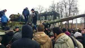 Krigsbyte från fronten ställdes upp i Kiev.